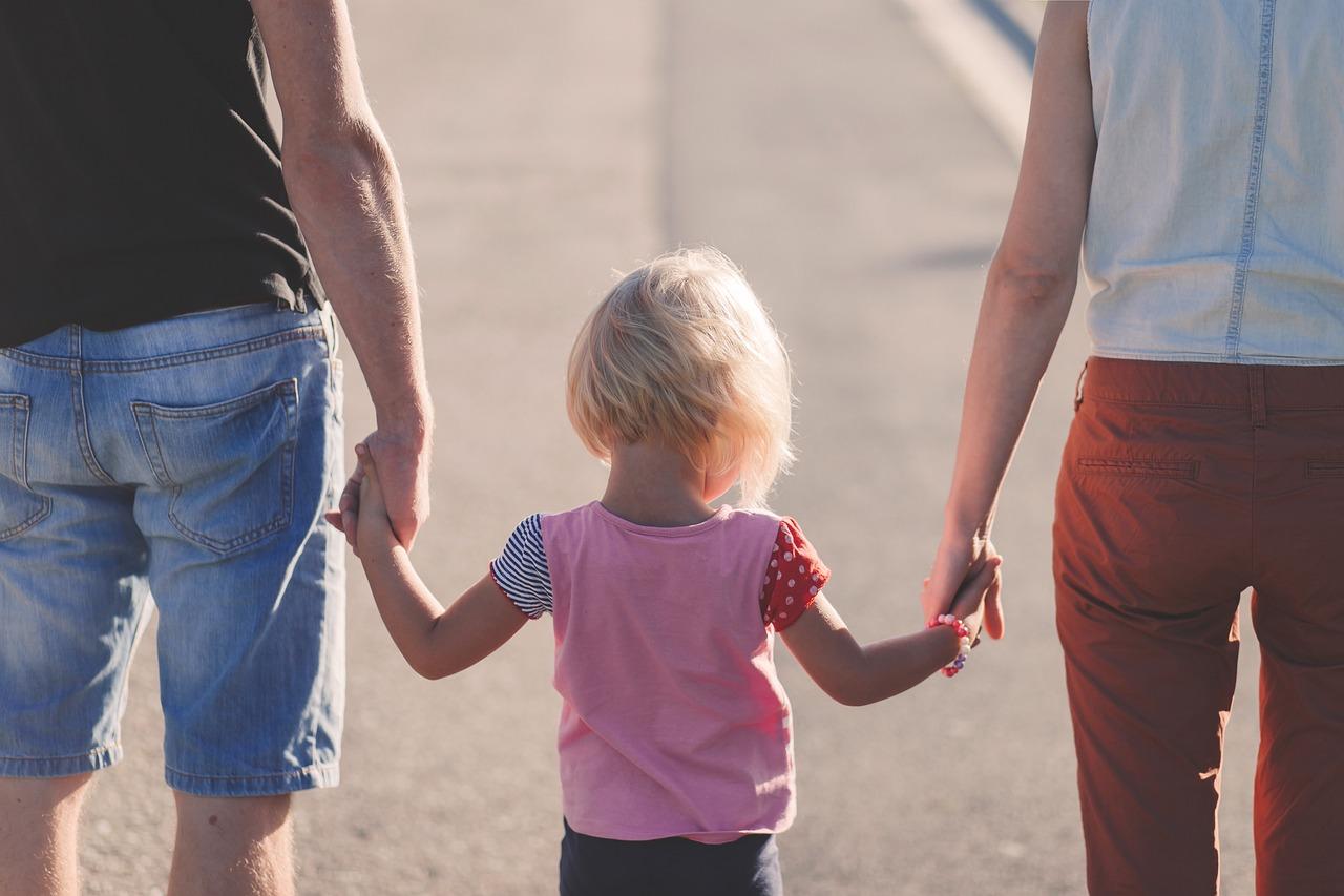 La Asociación Activos y felices presenta «Escuela de Padres»