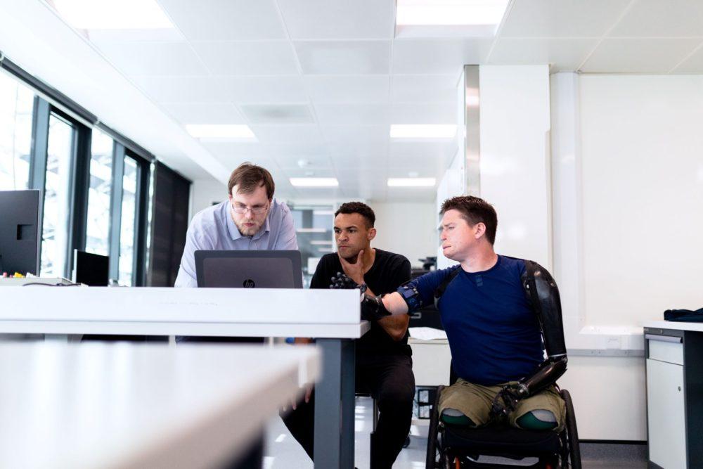 El CERMI presenta una guía de apoyo al empleo público para personas con discapacidad.